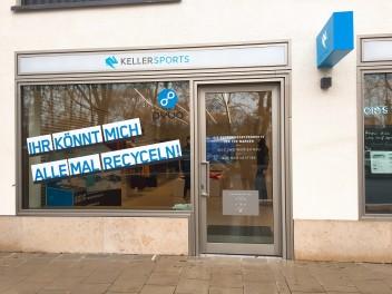 rueckblick-keller-sports-store-und-pyua