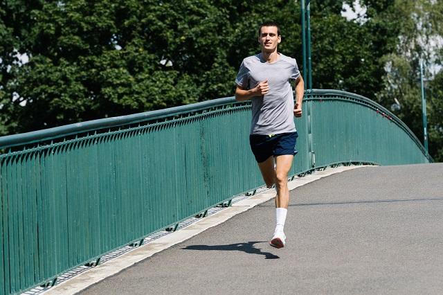 Mit der richtigen Ernährung ist das Laufen vor dem Frühstück auch perfekt zum Abnehmen geeignet