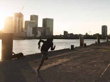 JETZT BEI KELLER SPORTS: DIE NEUE PEAK PERFORMANCE RUNNING-KOLLEKTION