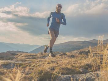 mountain-running-mit-schuhen-von-la-sportiva