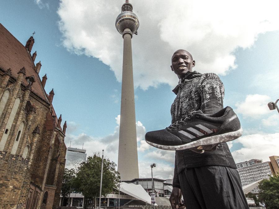 ADIDAS VISIERT IN BERLIN DIE 2-STUNDEN MARKE AN