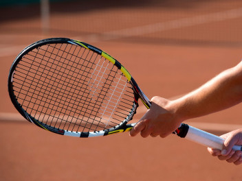 den-passenden-tennisschlaeger-waehlen