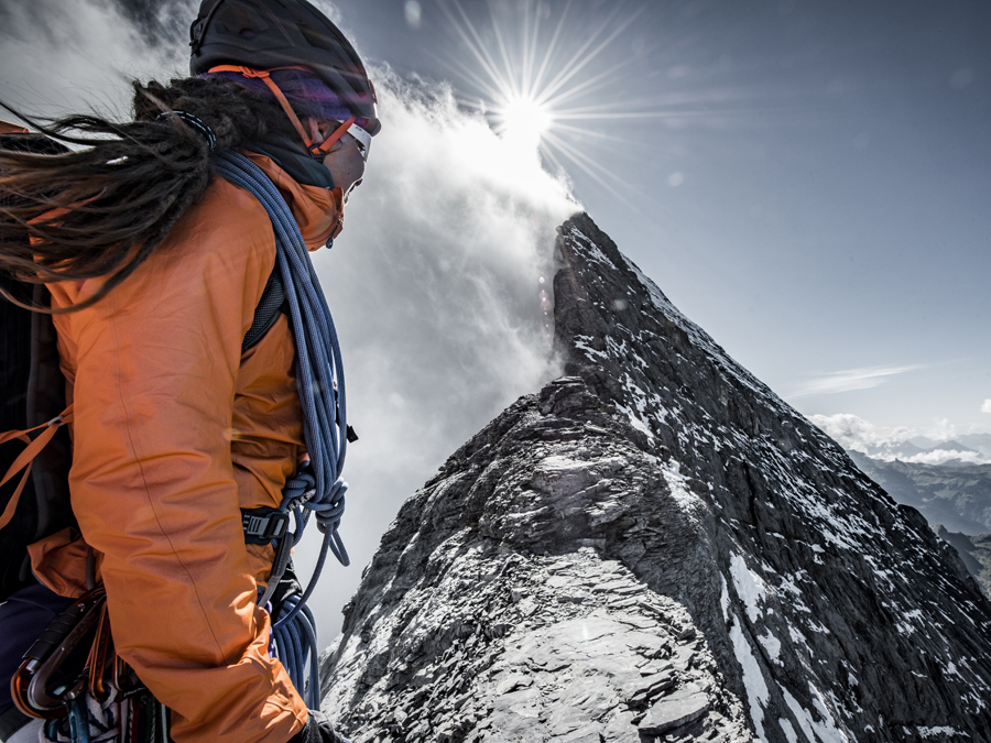 Mammut Eiger Extreme Jacke with a view off the mountain
