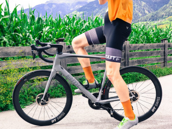 CRAFT ROUTE BIKE BIB SHORT: KELLER SPORTS PRO MARTIN HAT SIE GETESTET
