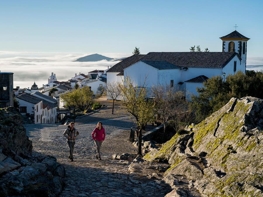 Lowa Locarno & Lowa Maddox: Hybrid-Schuhe für den Berg und die Stadt