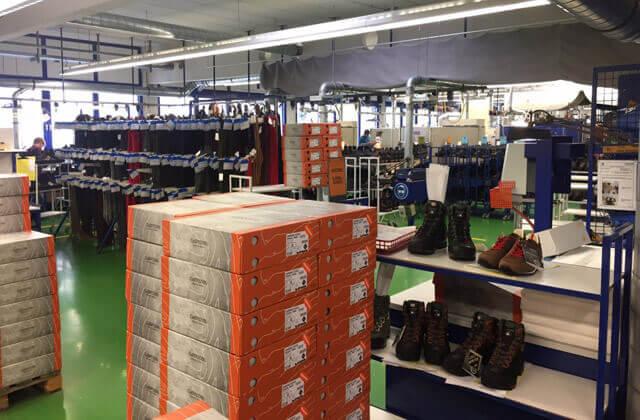 LOWA Werk Jetzendorf Fabrik für Wanderschuhe und Outdoor Ausrüstung