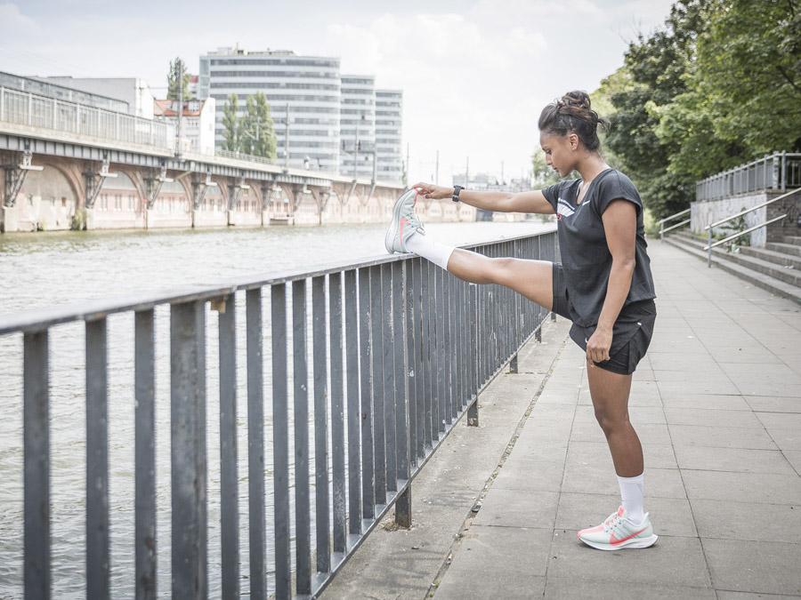 Keller Sports x Nike Marathon Team Julia Stretching