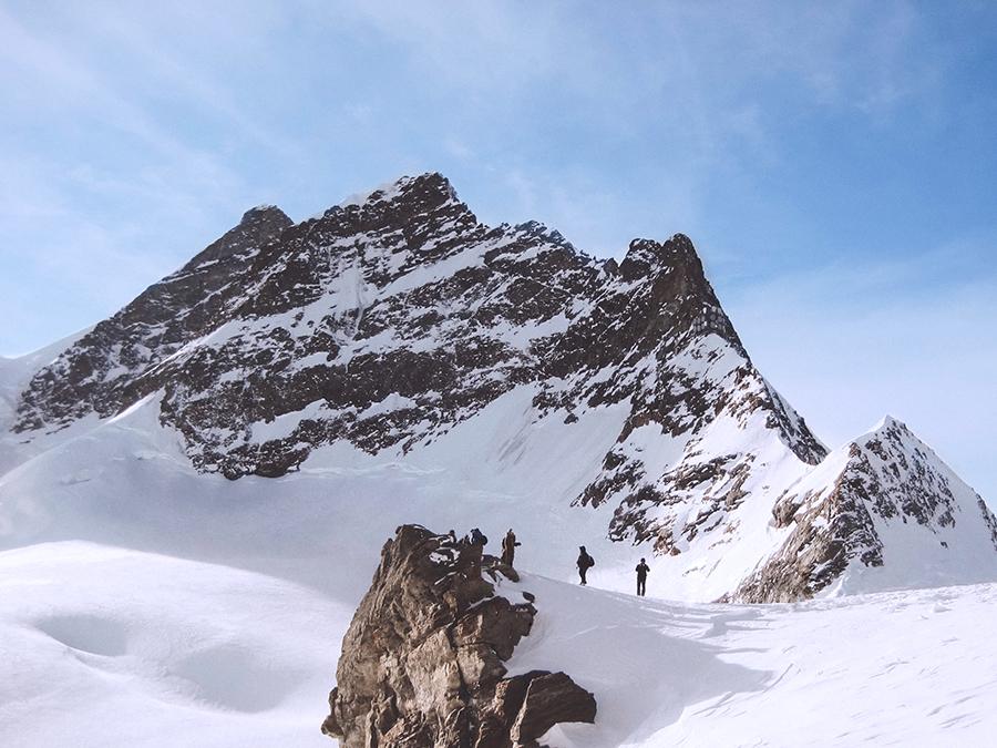 Alternative Winteraktivitäten ohne Ski - Genießt den Winter abseits der Pisten