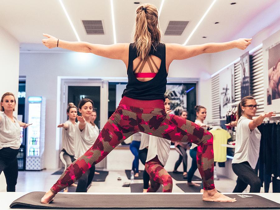 Yoga Anfänger Übungen adidas