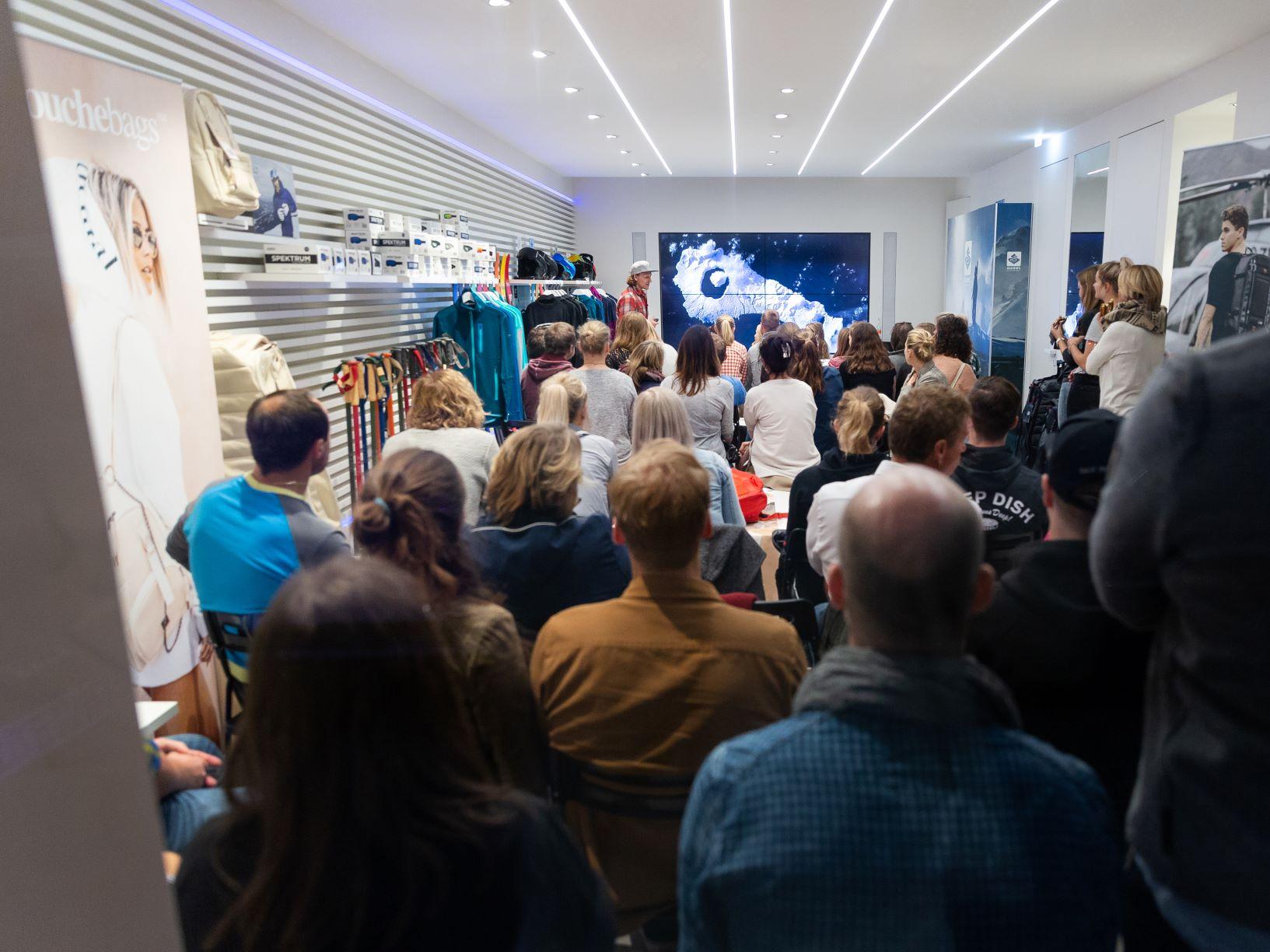 Ingemar Stenmark, Matthias Haunholder & Arianna Tricomi im Keller Sports Store