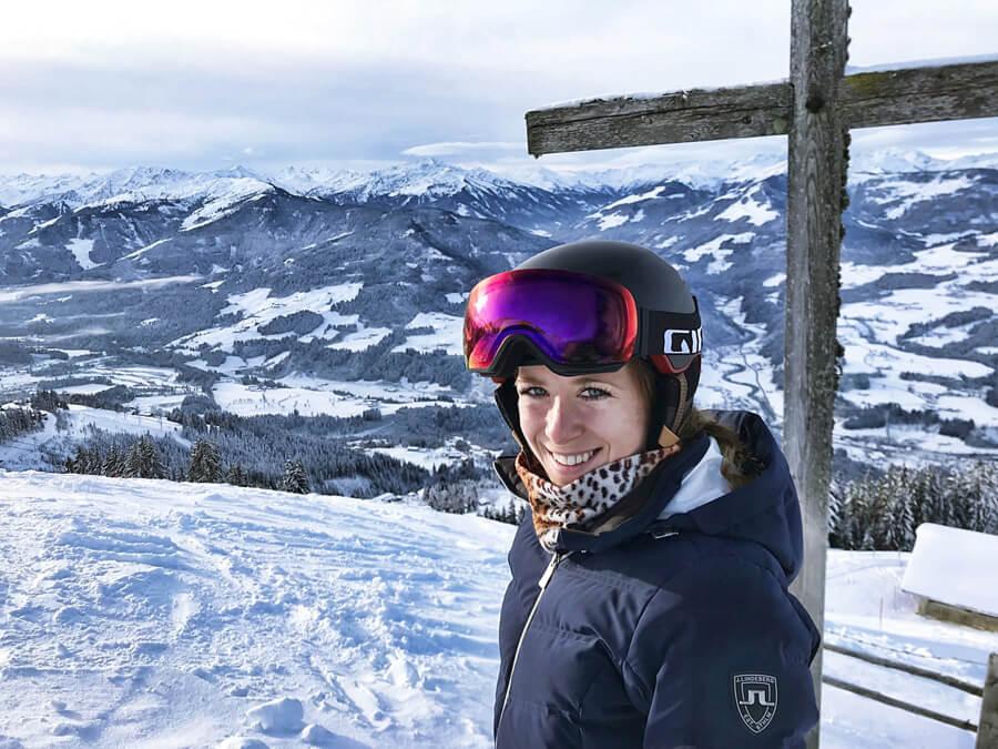 Sicherheit beim Skifahren Giro Skihelm MIPS Vivid Article Skibrille Ski Winter Österreich