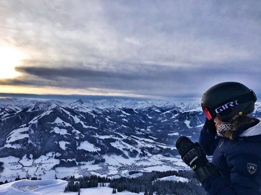Sicherheit beim Skifahren Ski Piste Skihelm Giro MIPS Jackson Skibrille
