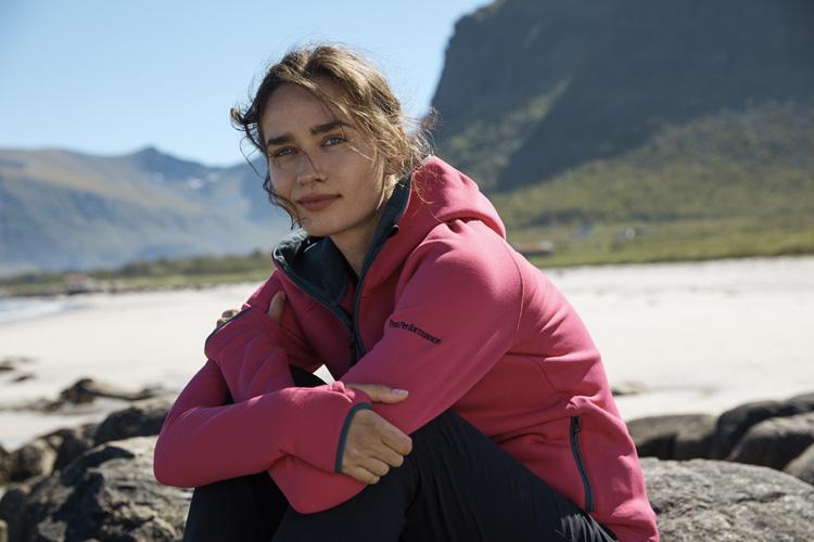 Peak Performance Helium Damen Outdoorjacke Nachhaltigkeit als Umweltschutz