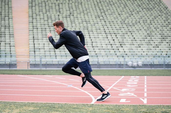 Philipp Pflieger Marathon Läufer Tipps Aufwärmen Übung