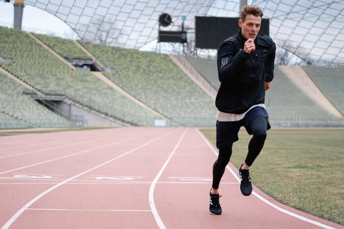 Philipp Pflieger Tipps Aufwärmübungen zum richtig warm und fit werden Übung Steigerungslauf Laufstil Sport im Lauftraining