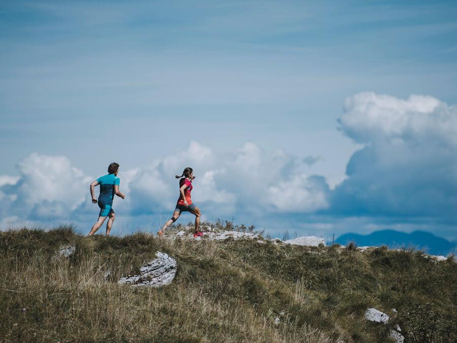 Trails Run vs Road Runner - Läufer auf Straßen vs Runners im Terrain
