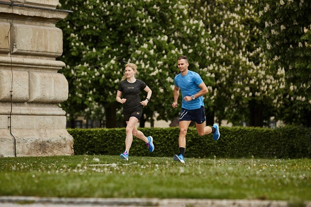 Urban Running in der eigenen Stadt kann abwechslungsreich sein wenn man verschiedene Routen Audio Guided Run oder Street Art Runs ausprobiert