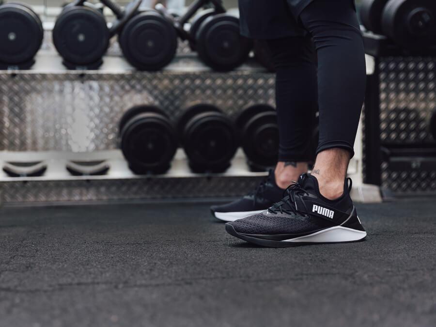 Workout Kraft Übungen für Läufer Trainingsschuhe