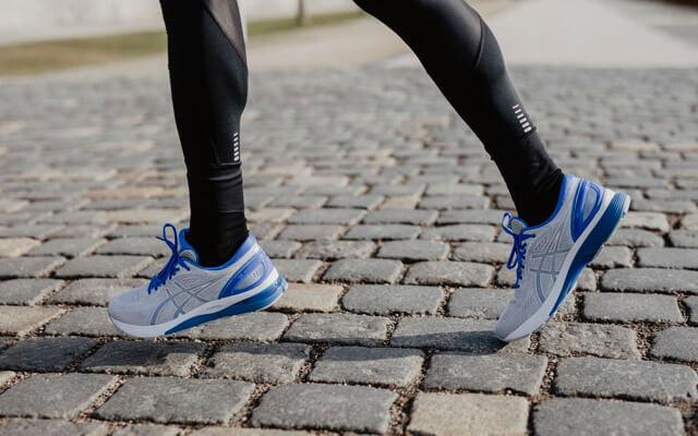 ASICS GEL-Nimbus 21 Test 2019 New Laufschuhe für Damen und Herren im Training zum Laufen auf der Straße