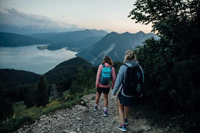 Abstieg mit dem adidas Terrex Free Hiker im Test für Damen und Herren
