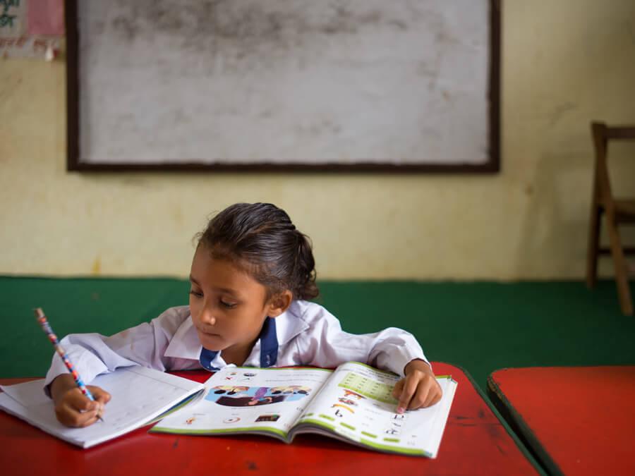 KEEN x Sherpa Adventure Gear fördern die Schulbildung in Nepal