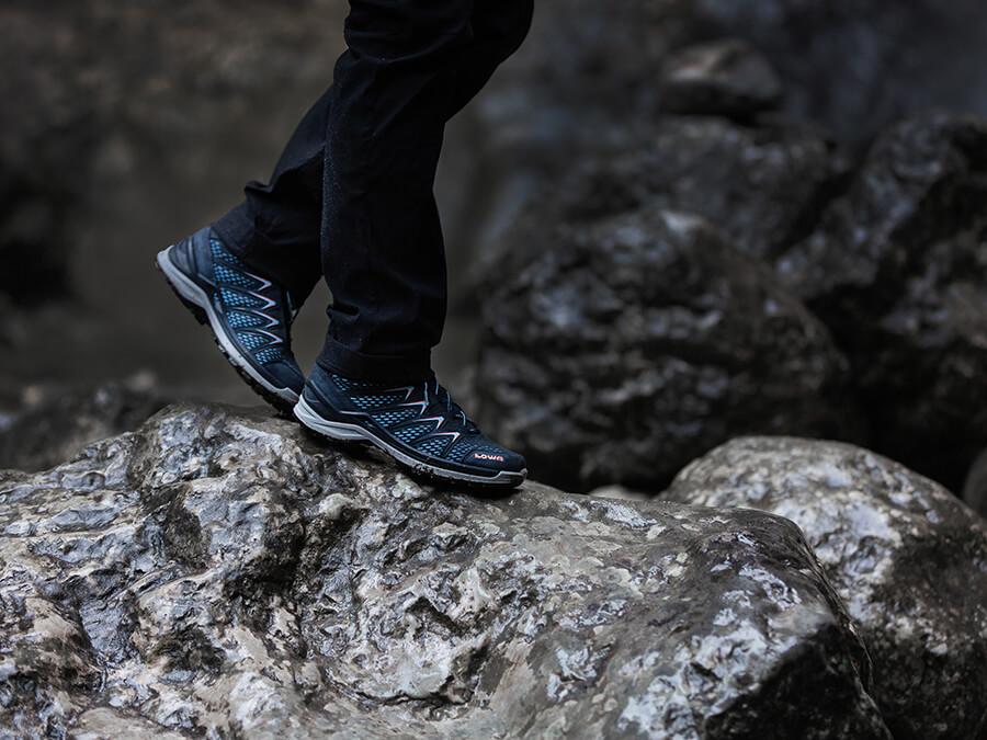 LOWA Outdoor Schuhe - 4 Top Modelle im Vergleich