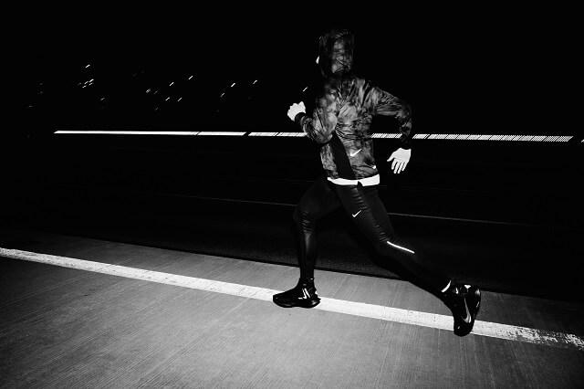 Nike Shield Pack 2019 Laufbekleidung für bessere Sichtbarkeit beim Laufen im Winter