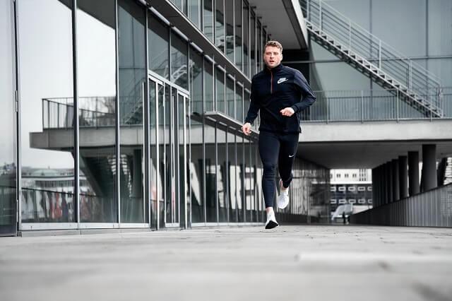 Die Nike React Infinity Run Flyknit Schuhe sind für Läufer die im Training jede Distanz laufen möchten