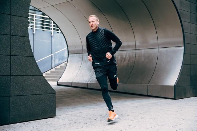 Je nach Erfahrung loht es sich beim Laufen erreichbar Ziele zu setzen um die Trainingsmotivation beizubehalten