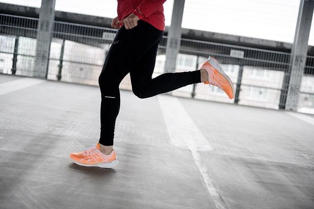 ASICS Novablast Schuhe im Running Test 2020 für euren Lauf Sport
