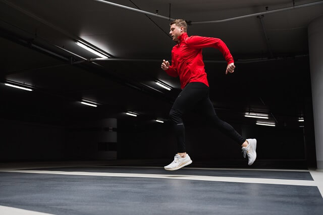 Keller Sports Pro Jan Lau testet den neuen ASICS Evoride Running Schuh 2020