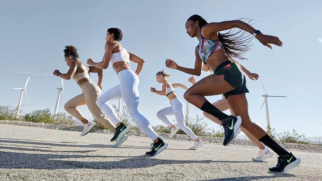 Die neuen Nike Air Zoom Pegasus 37 für Damen und Herren haben eine Mittelsohle aus React Foam