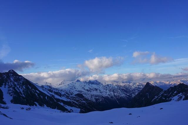Für ein Gipfel Foto von einem Berg der 784 Dreitausender in Österreich spendet Salewa fünf Euro für die Renovierung der Glockner Biwakschachtel 2020