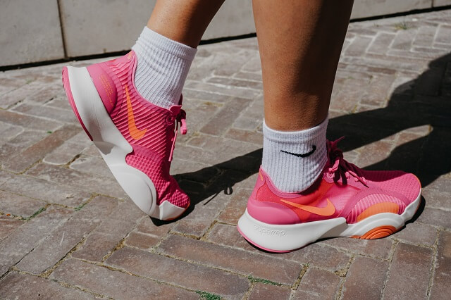 Keller Sports Pro Zsofia testet die Nike SuperRep Go Fitness Schuhe 2020