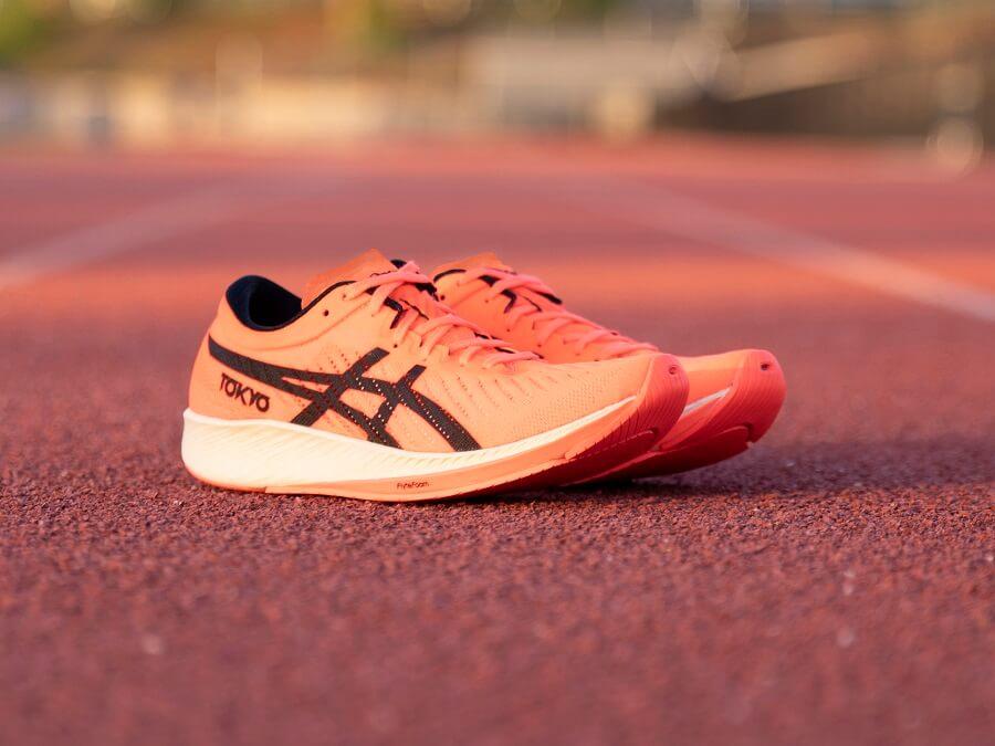 Die neuen ASICS Metaracer Laufschuhe bei Keller Sports