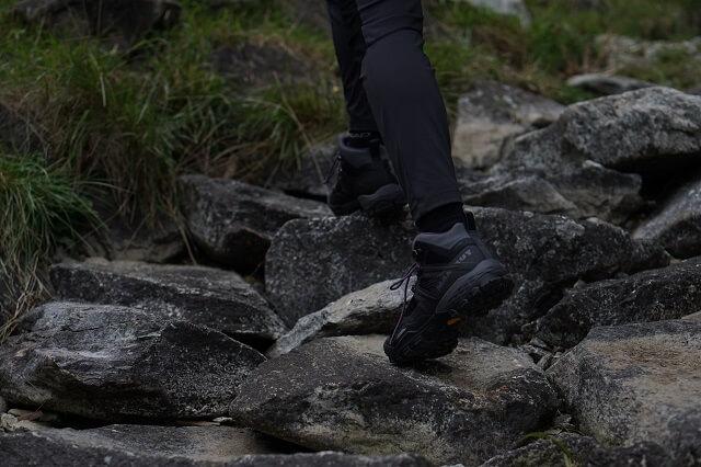 Die Mammut Ducan Mid Gore Tex Outdoor Schuhe überzeugen im Test 2020 beim Klettern Bergsteigen und Trekking