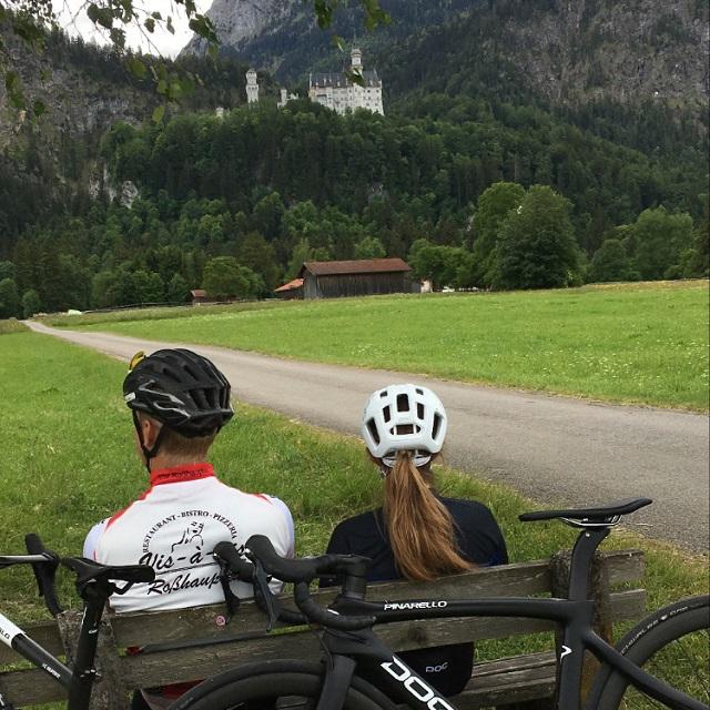 Radtour mit Blick auf Schloss Neuschwanstein