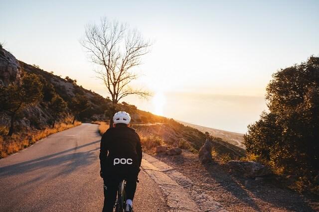 Beim Bikepacking kann man die Natur und die Umgeboung auf dem Rennrad neu erkunden