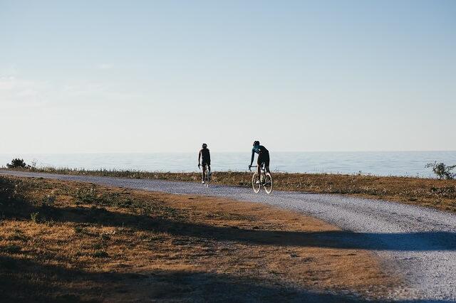 Bikepacking ist der Bike Trend 2020 bei dem man längere Touren auf dem Rennrad zurücklegt