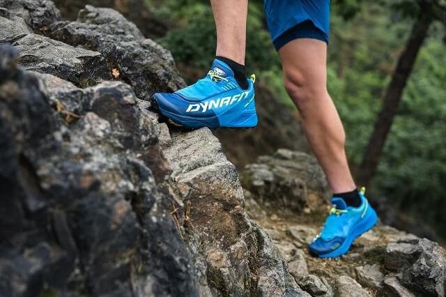 Der Dynafit Ultra 100 Trailrunning Schuh überzeugt durch viel Komfort und Grip auf alpine Trail Läufe