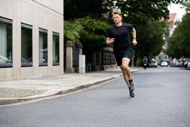 Keller Sports Pro testet die neuen Mizuno Wave Rider 24 Running Schuhe 2020