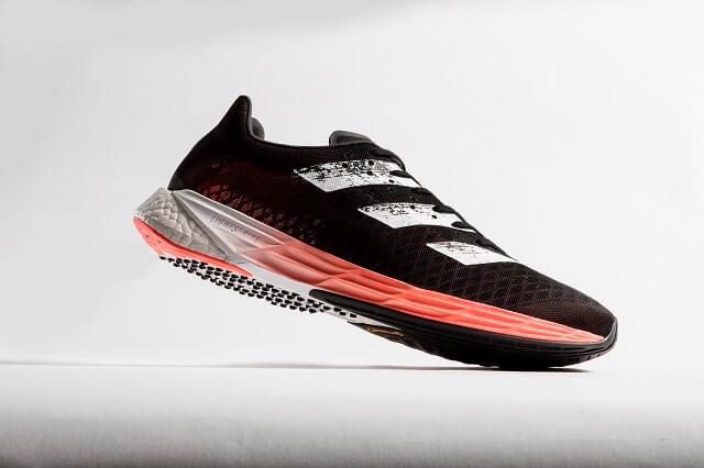 Die adidas Adizero Pro Laufschuhe sind die ersten Schuhe 2020 von adidas mit einer Carbonfaserplatte im der Sohle