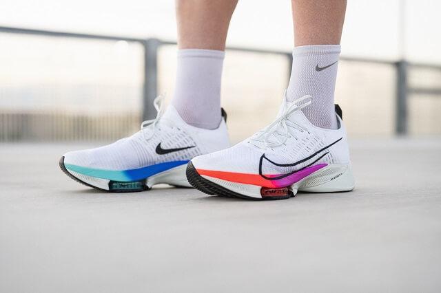Der Nike Air Zoom Tempo NEXT% Flyknit ist perfekt das für Tempo Intervall Running Training 2020