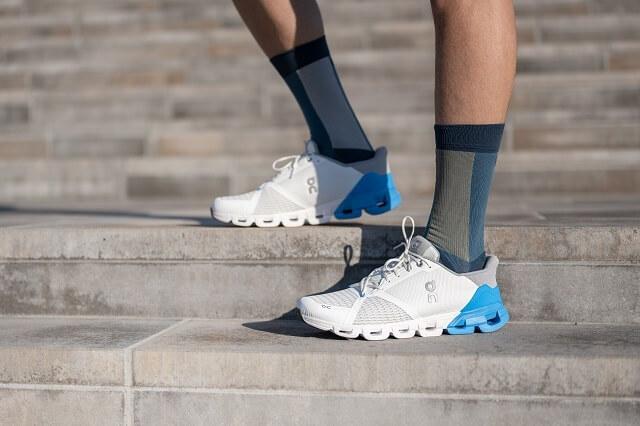 Der On Cloudflyer Running Schuh überzeugt im Läufer Test 2020 mit guter Stabilität auf jedem Untergrund