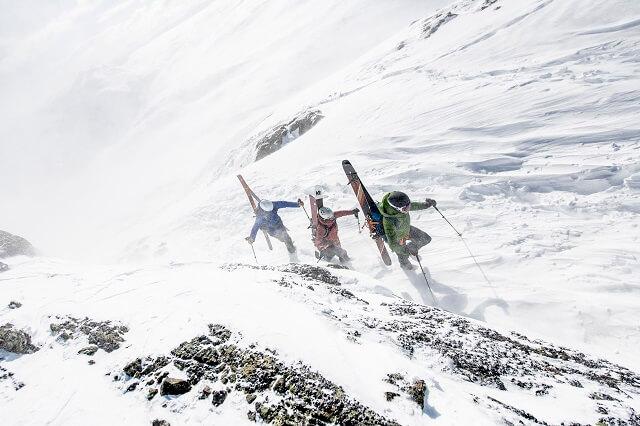 Der Sweet Protection Ascender MIPS Ski Helmet überzeugt im Test 2020 für Skitouren und andere Mountain Sportarten