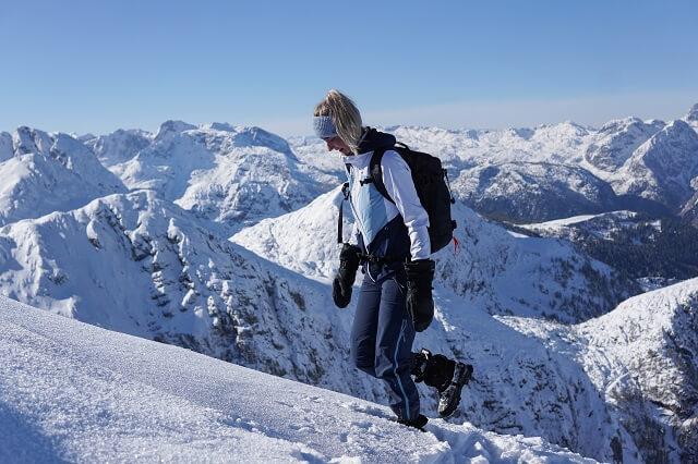 Die Ziener Wintersport Kollektion 2020 bringt alles für Skitouren und andere alpine Aktivitäten mit
