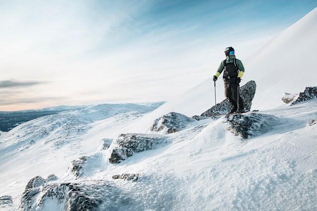 Peak Performance Skitourenbekleidung überzeugt im Wintersport Test 2020 durch absolute Funktionalität und cleanem Design