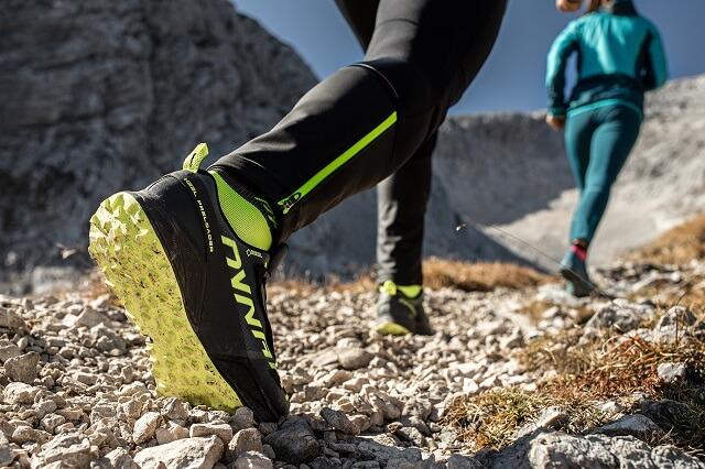 Auch Dynafit Trailrunning Outdoor Schuhe werden mit der GORE-TEX Membran wasserdicht winddicht und atmungsaktiv