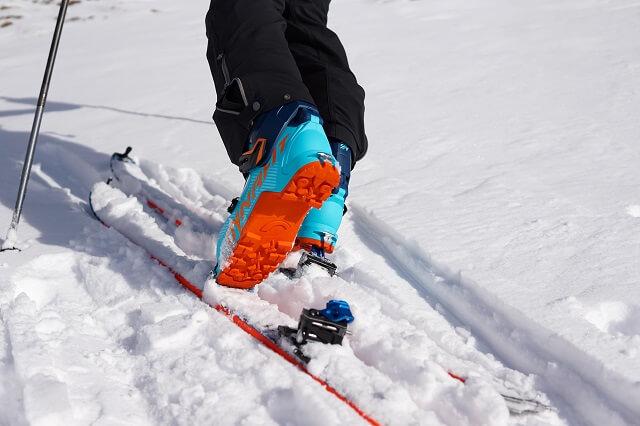Die Dynafit ST Radical Tourenbindung im Skitour Wintersport Test 2020 2021