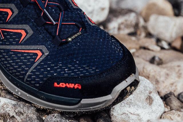 Die GORE-TEX Membran sorgt dafür dass LOWA Wanderschuhe winddicht wasserdicht und atmungsaktiv sind